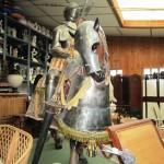Caballero y caballo con armadura